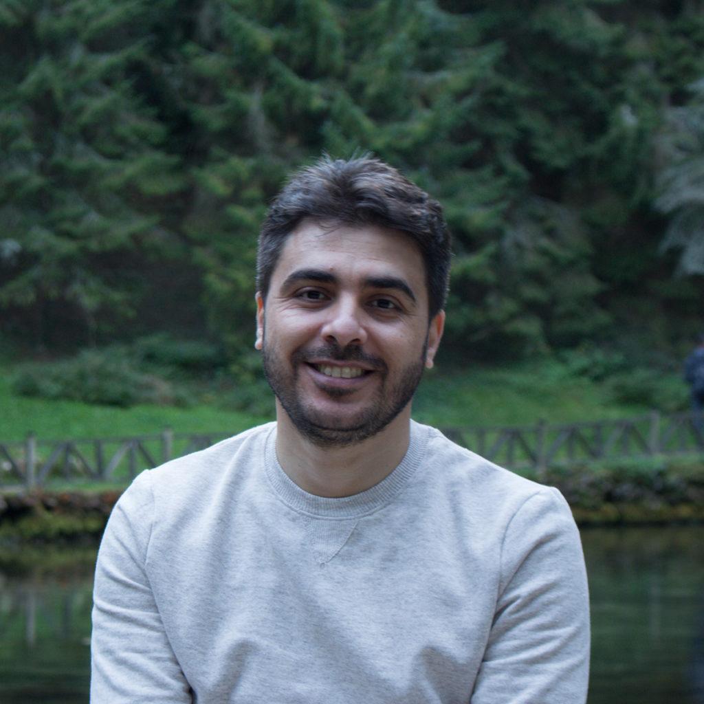 الصحفي السوري أحمد حذيفة